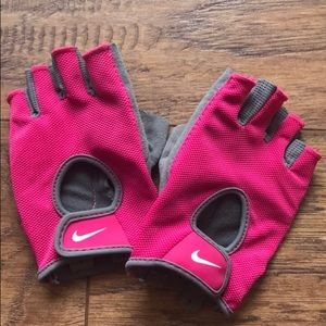 Nike work out gloves